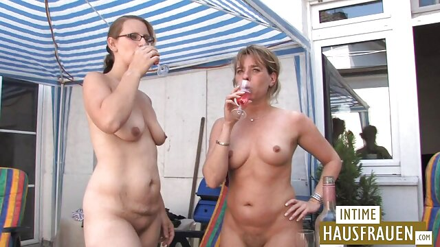 Ambre aux gros seins baise un gros porn viarge gode