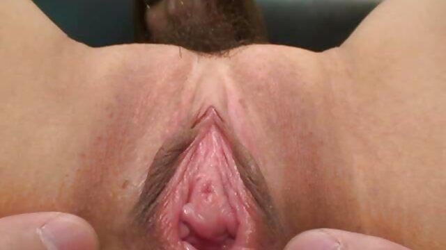 Adorable bébé baise comme un maniaque film porno vierges